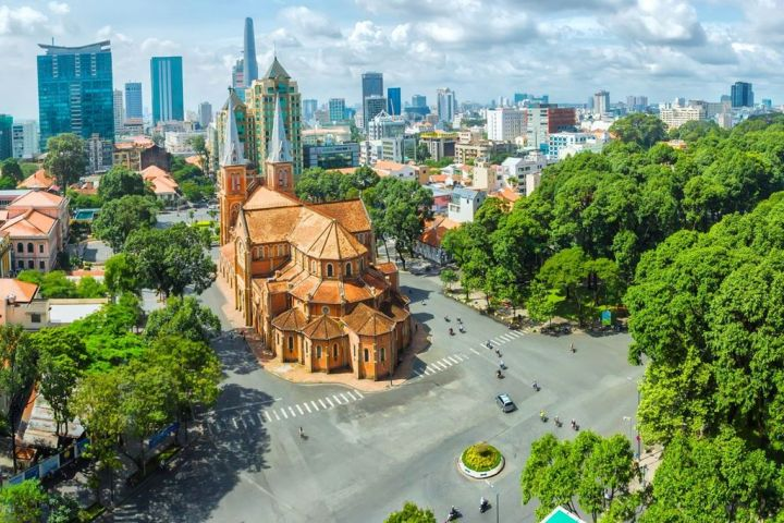 Ho Chi Minh City Sightseeing Half Day Luxury Group Tour